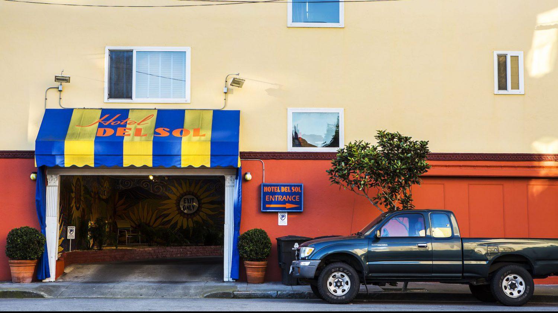 陽気な西海岸を楽しむなら Del Sol へ