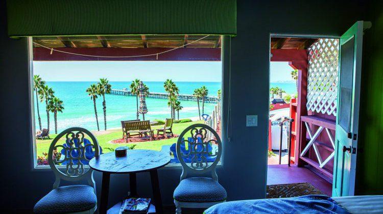 Hotel #1「Beachcomber Inn」