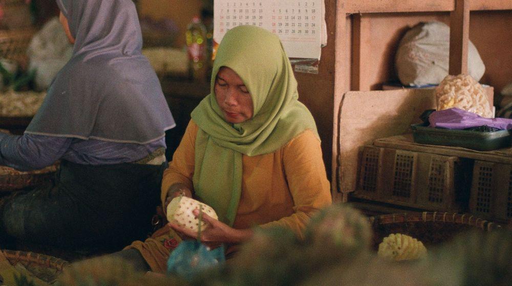 緑の絶えない国インドネシア